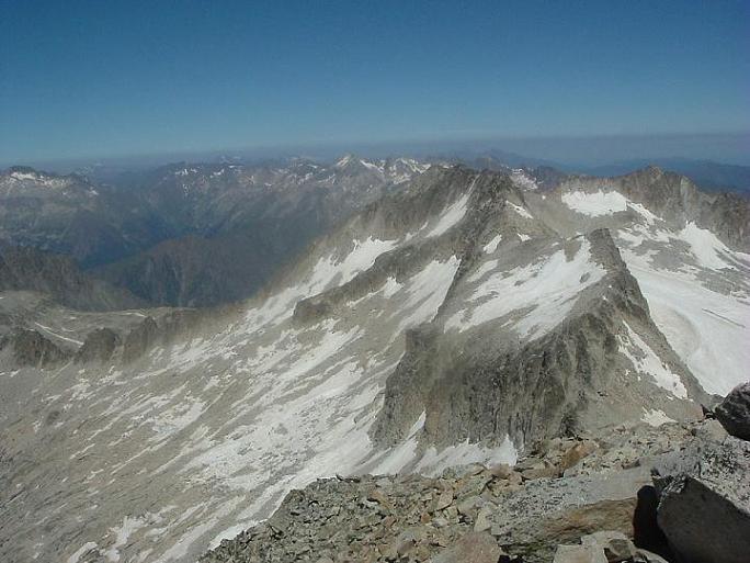 Du sommet du pic d Aneto, le picos Maldito et de la Maladeta