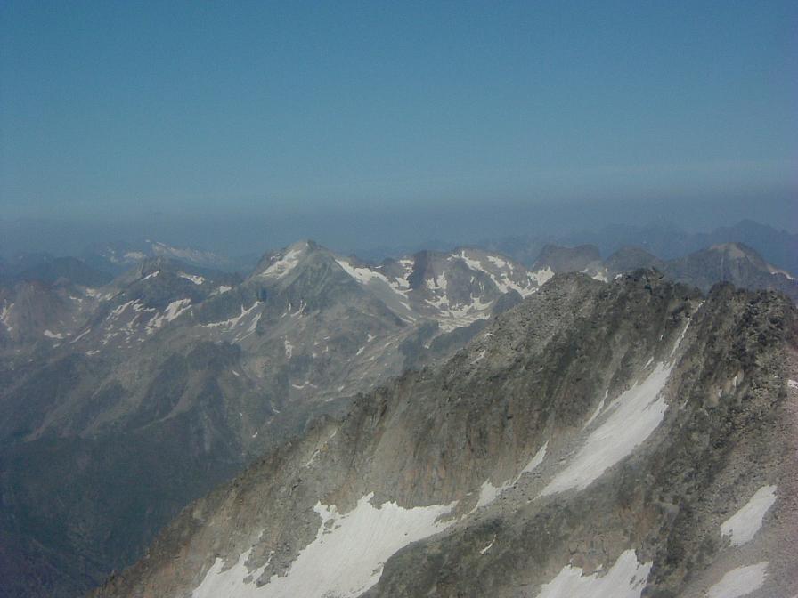 Du sommet du pic d Aneto, le massif du Perdiguère