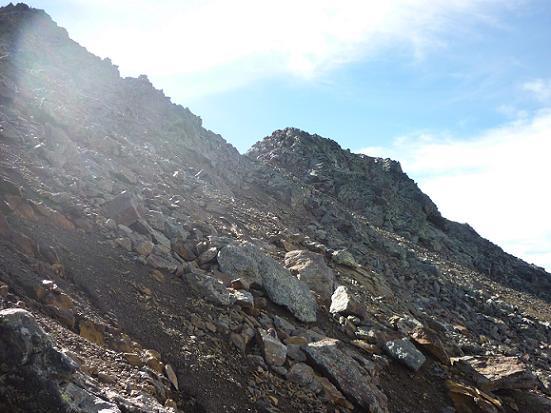Dans la descente sous les picos del Puerto de la Pez et de la Pez