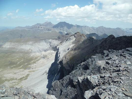 Du sommet du pic de Serre Mourène 3090 m, les pics Long et Campbieil
