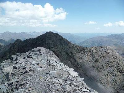 Du sommet du pic de Serre Mourène 3090 m, le pic de Troumouse