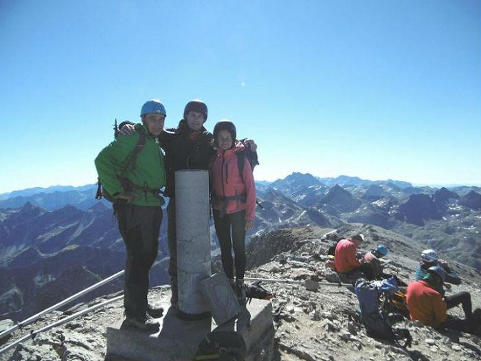 Au sommet du Balatous (3144 m), devant le Vignemale