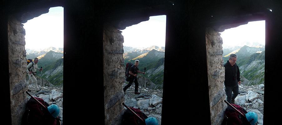 Passage devant les grottes Bellevue