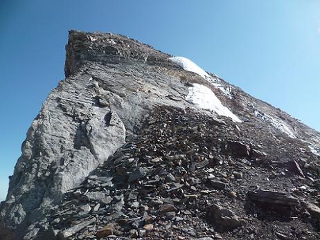 La crête Sud-Ouest du Piton Carré que nous allons gravir pour parvenir à son sommet