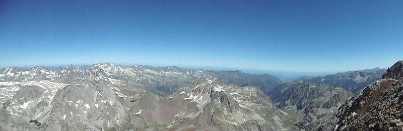 Du sommet du pic du Clot de la Hount (3289 m), panorama du Balatous à la Pique Longue du Vignemale