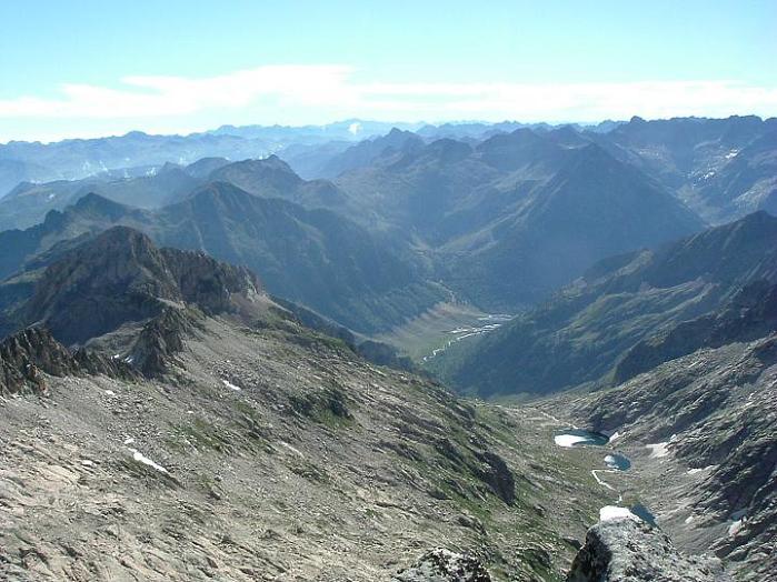 Du Tuc de Mulleres, le massif Besiberri-Comaloforno et l'itinéraire de montée