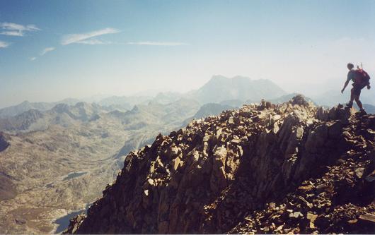 Du sommet du pico del Infierno Oriental, le Vignemale
