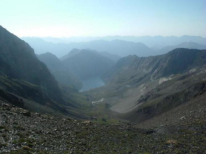 Du collado de Llauset 2865 m, le vall et l Estany de Llauset