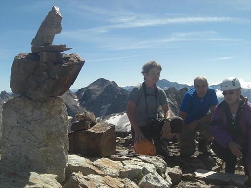 11 h 30 sommet du pic des Gourgs Blancs 3129 mètres