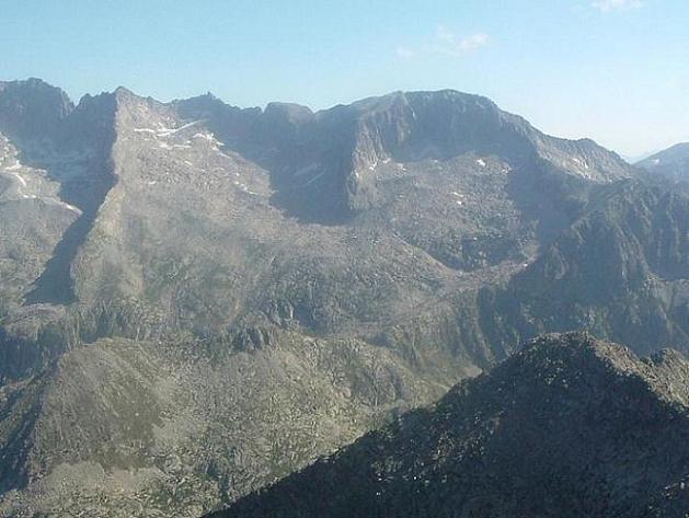 Du Ballibierna 3067 m, Tempestades et Russell