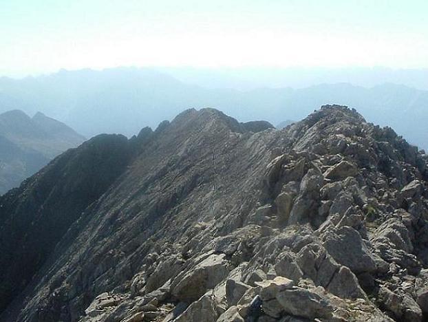 Du Ballibierna 3067 m, la crête Est