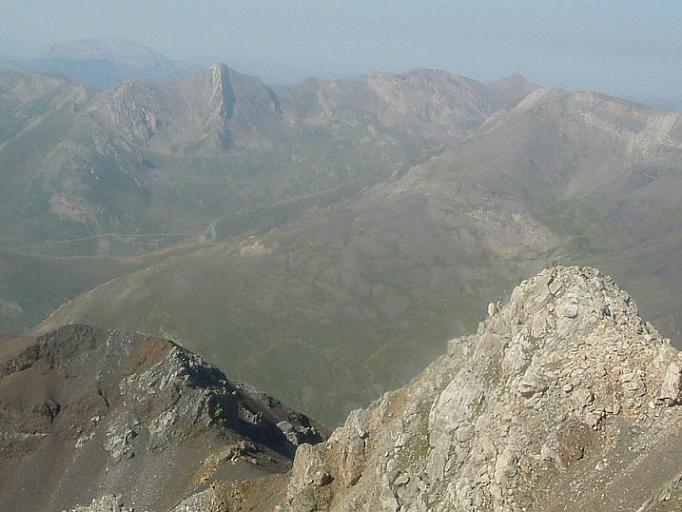 Du Ballibierna 3067 m, antécime Culebras 3010 m et collado de Llauset