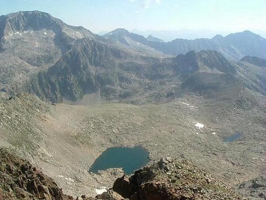 Du ballibierna Nord 3030 m, l Estany Gelat