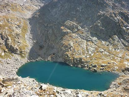 En arrivant sur la crête Sud du pic de Comalesbienes au-dessus de l`Estany de Comalesbienes coté 2600 m