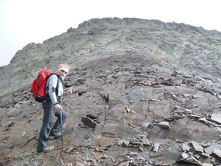 Remontée Nord-Est de la crête Sud-Ouest de la Punta del Sabre, arrivée au pied du mur