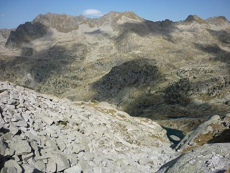 Le vallon de la Raconada se transforme en entonnoir