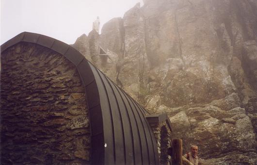 Le refuge en haut du couloir de Tuquerouye