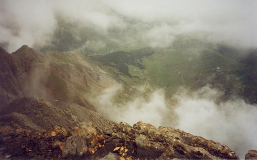 De la crête du Grand Astazou, le plateau de Pailla