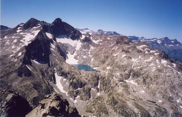 Du sommet du Turon de Néouvielle, pic Long sommets de Gavarnie et la Pointe Reboul-Vidal (3007 m)