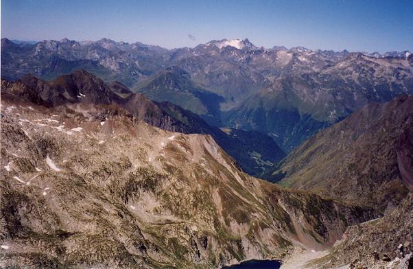 Du sommet du Turon de Néouvielle, le Vignemale