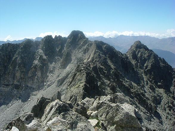 Du sommet du Besiberri Sud, le pic de Comaloforno et la Punta Passet