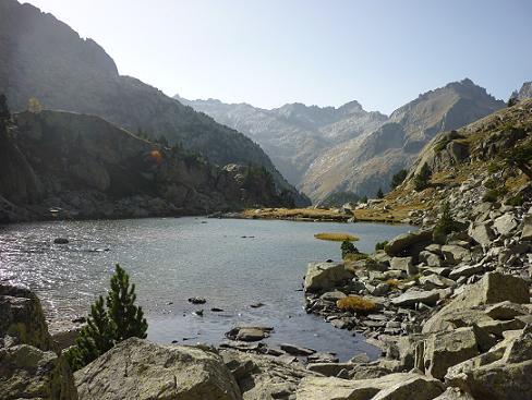Passage rive droite du petit lac coté 2155 m