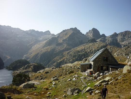 Arrivée au refugi Joan Ventosa i Calvell 2215 m