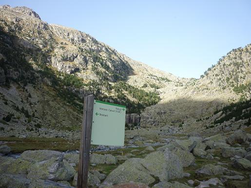 Panneau directionnel au Pletiu de Riumalo 1880 m