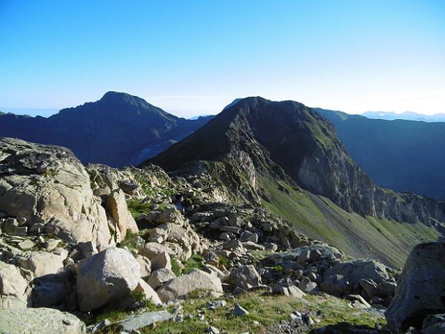 Arrivée sur la crête au Sud du collado de Paderna (2580 m)