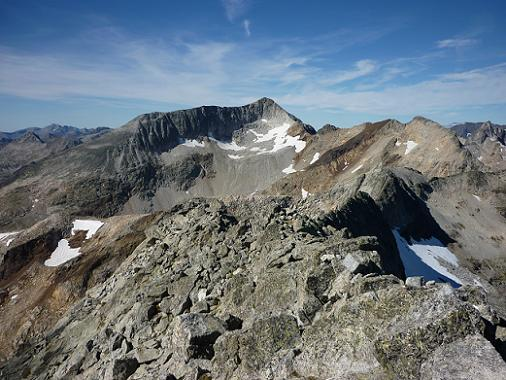 Du sommet du pic de Maupas 3109 m, le pic Perdiguère, le pic Royo et la Pointe de Litérole