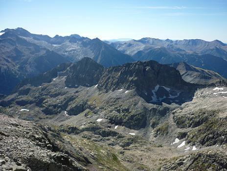 Du sommet du pic de Maupas 3109 m, le massif Aneto Maladeta