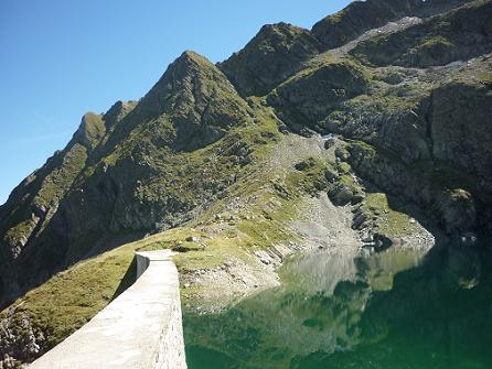 Arrivée au lac Bleu 2265 m, il est vert !