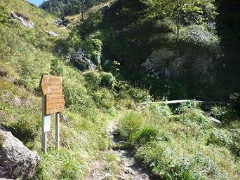 Retour sur l`itinéraire de montée à la bifurcation près de la Fontaine de la Coume 1714 m
