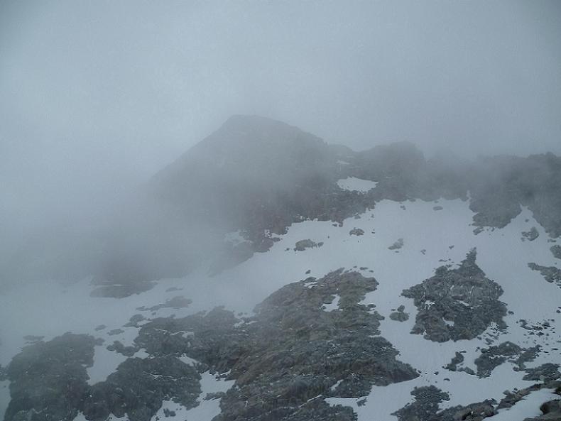 En remontant la crête Est du pic Maubic, le pic Badet fait une apparition furtive