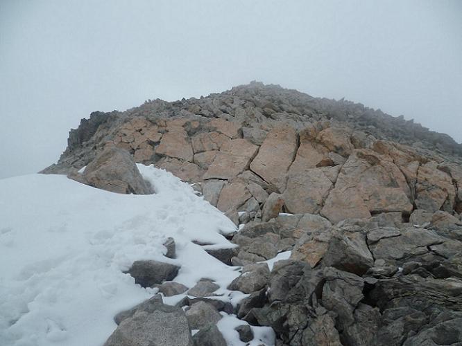 Le dernier ressaut à franchir avant d`arriver au sommet du pic Maubic