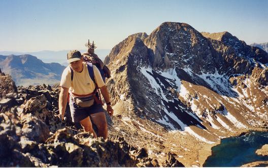 Du sommet du pico de Arnales, le Garmo Negro et Argualas