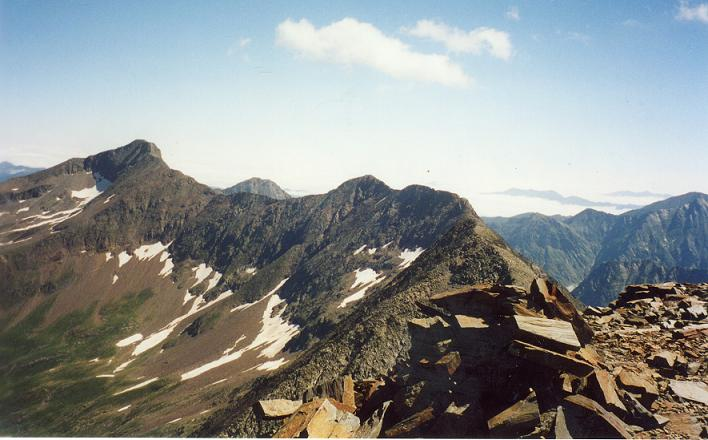 Du sommet du Culfreda Nord-Est, le pic de Lustou