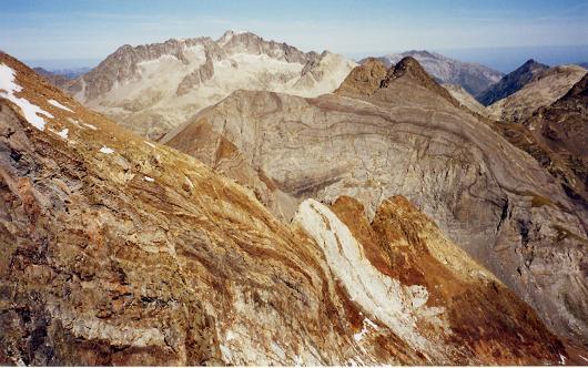 Du pico de Arnales, le Balaitous