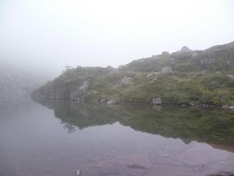 Après passage au col d`Espingo 1967 m, passage au lac Saussat 1921 m