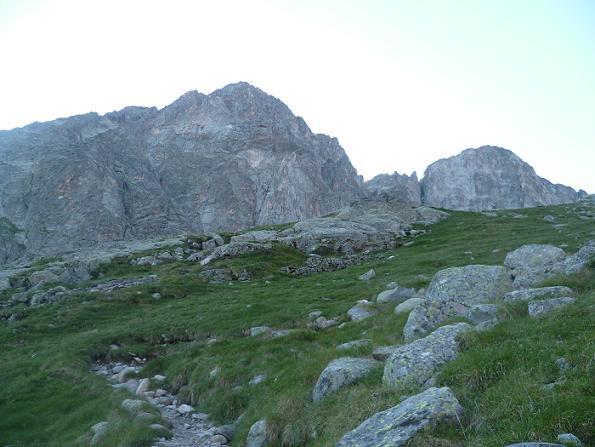 Le Grand Quayrat avec à droite notre objectif du jour le pic Lézat