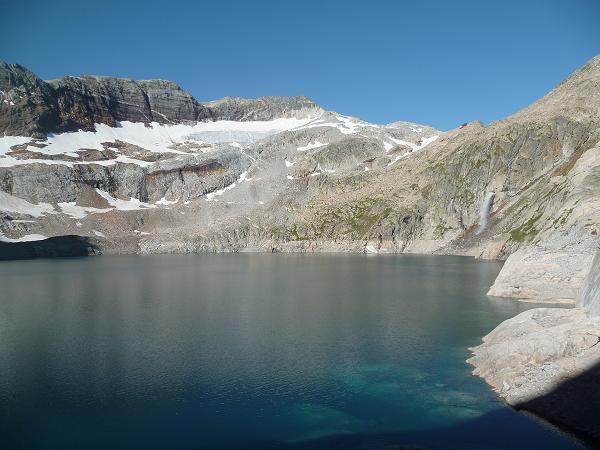 Le lac du Portillon et la résurgence