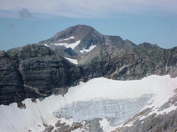 Du sommet du pic Lézat 3107 m, le pico Posets, au-dessus du Seil de la Baque