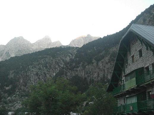 7 h 40 départ du refugio Casa de Piedra vers le pico de Garmo Negro