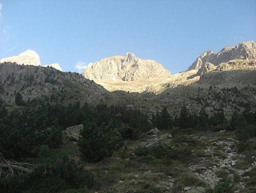 Progression en direction du collado de Argualas et du pico de Garmo Negro