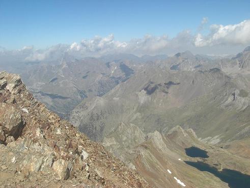 Du sommet du pico de Garmo Negro, le pic du Midi d`Ossau