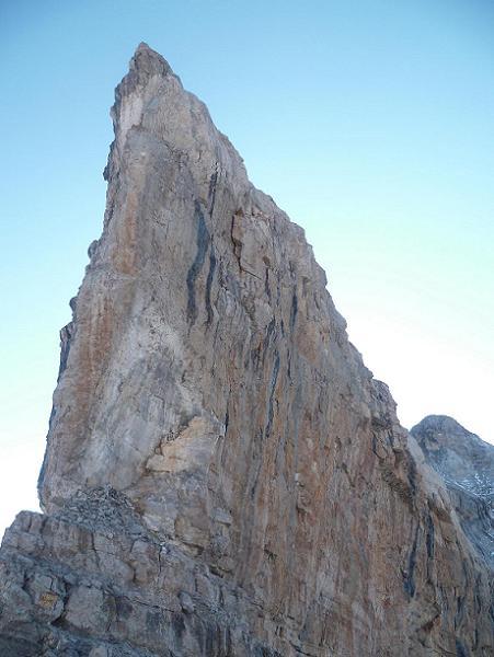 Passage de la Brèche de Roland 2807 m, au pied de son piton Oriental