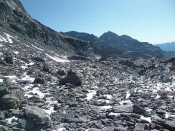 Progression sur la Terrasse Inférieure, face au Cilindro et au Monte Perdido