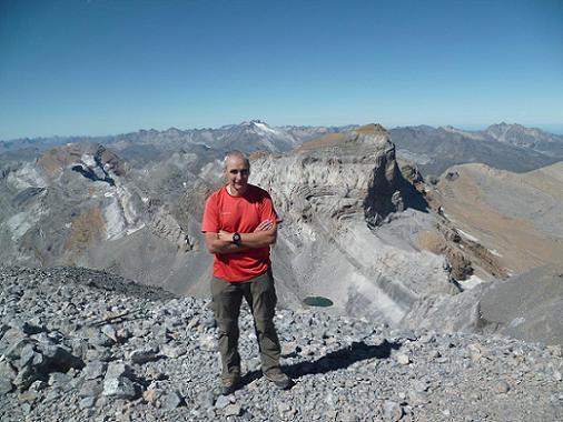 Il est temps de quitter le sommet du Monte Perdido 3355 m